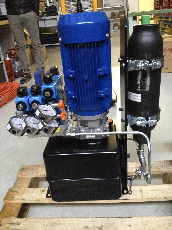 Centralina oleodinamica per impianto di saldatura gik for Centralina per impianto di irrigazione a batteria